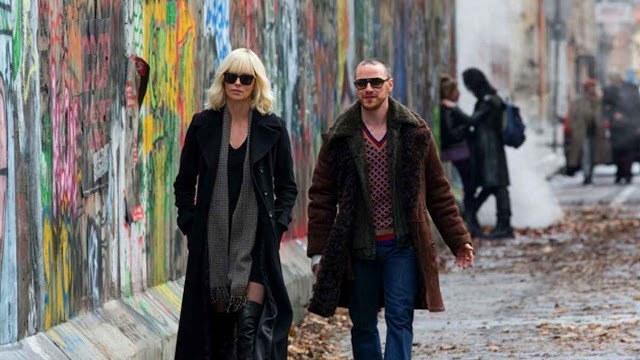 Review phim Atomic Blonde phong cách điệp viên nữ khác lạ