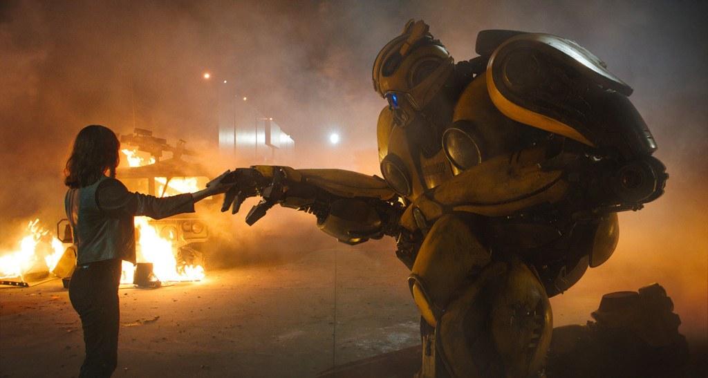 Review phim Bumblebee robot đại chiến và câu chuyện tuổi teen