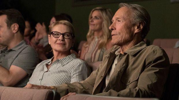 Review phim The Mule: Trùm ma túy bình dị của Clint Eastwood